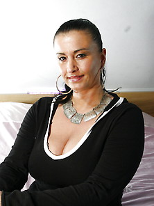Another View On Chayenne - The Georgeous Belgian Milf