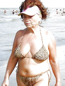 Bbw Matures And Grannies At The Beach 267