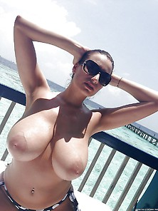 Sensual Jane Big Boob In Vacation