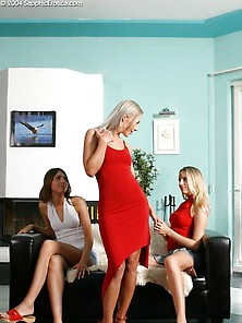 Sapphic Erotica Amused Lesbian Girls 215