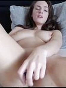 Very Orgasmic Young Woman Masturbates With Swirly Dildo - Comboc
