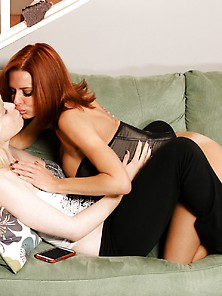 Squirting Milf Veronica Avluv And Her Lesbian Friend Kristy Snow