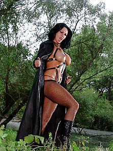 Naked Vanessa Upton Nude Gif