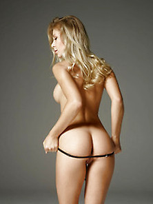 Darina L In Striptease By Hegre-Art (Nude Photo 13 Of 16)