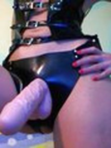 Mistress Wearing Strapon Straponfetish. Club